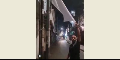 Warga Surabaya Kibarkan Bendera Putih, Menyerah Hadapi PPKM Darurat