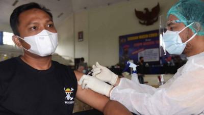 Korps Marinir TNI AL, Hari Ini Warga Jakarta Selatan Kembali Di Vaksin