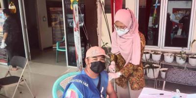 PasarTasik Cideng Gelar Program Ayo Vaksin Berkolaborasi Polsek Gambir