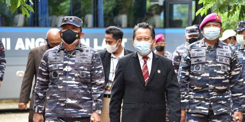 TNI AL Kembali Laksanakan Serbuan Vaksinasi Kepada Masyarakat Maritim