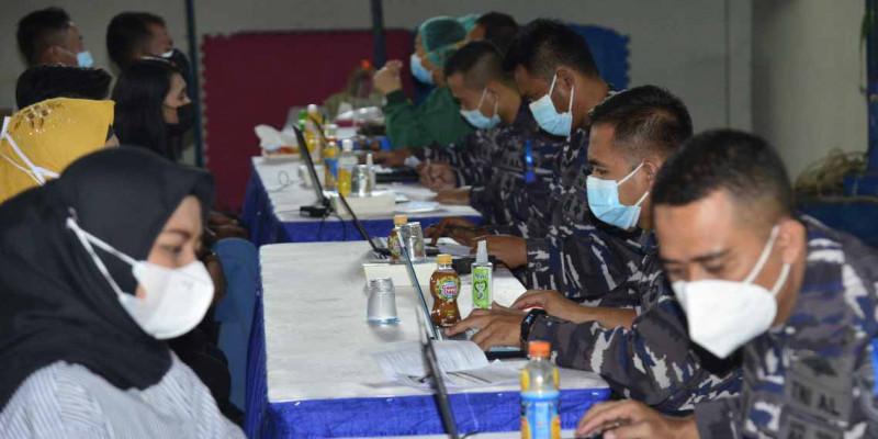 TNI AL Korps Marinir Terus Menerus Laksanakan Vaksinasi