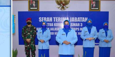Ketua Gabungan Jalasenastri Korps Marinir Pimpin Sertijab Ketua Korcab Pasmar 3