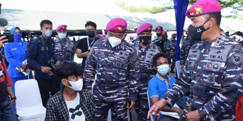 Korps Marinir TNI AL Gelar Serbuan Vaksinasi Dosis Kedua Untuk Masyarakat Marunda Jakarta Utara