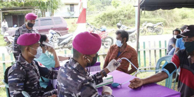 Serbuan Vaksinasi Korps Marinir TNI AL Menyasar Hingga Kampung Klasari Wonosobo Kabupaten Sorong