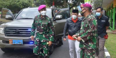 Marinir TNI AL Dukung Program Vaksin Pemerintah di Wilayah Ponpes