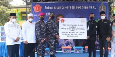 Tidak Hanya Masyarakat Maritim Korps Marinir TNI AL Juga Memvaksin  Ke Pondok Pesantren