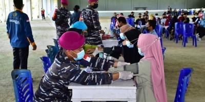 Vaksinasi Massal, Pasmar 3 Korps Marinir Sasar Kampus UNIMUDA Sorong