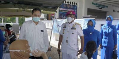 Korps Marinir Bersama RS Dharmais Gelar Vaksinasi Untuk Masyarakat Umum