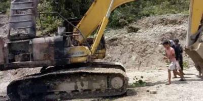 KKB Bakar Alat Berat Milik PT WIKA di Pegunungan Bintang