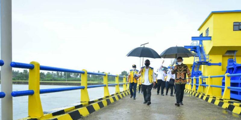 Menteri Basuki Minta Jaga Fungsi Tampungan Air Danau Tempe di Kabupaten Wajo