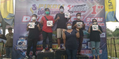 Dela dari DSRT feat F-motor Dua Kali Naik Podium