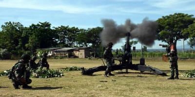 Baterai Armed Marinir dan Baterai Arhanud Marinir Pindah Stelling Dalam Latihan Satuan Lanjutan