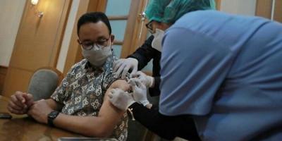 Terima Suntikan Dosis Kedua Vaksin Covid-19, Anies Baswedan: Lebih Aman Ketika Berinteraksi