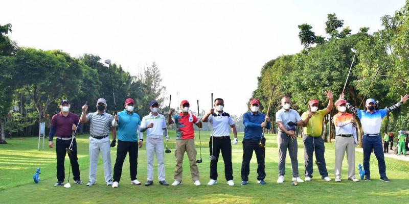 Dankormar Adakan The Marines Golf Monthly Fun Competition
