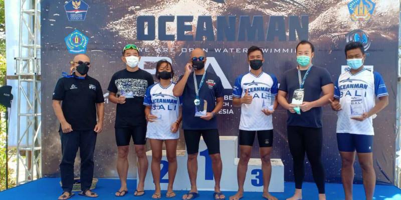 Marinir Juarai Lomba Renang 10 Km Oceanman Open Water Swimming 2021