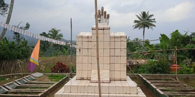 Mengenal Petilasan Makam Sepuluh di Kampung Bojong Menteng Sukabumi