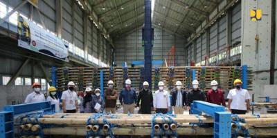 Kementerian PUPR Lakukan Pengujian Kekuatan Bambu Untuk Peningkatan Daya Dukung Tanah Dasar Konstruksi Tol Semarang-Demak