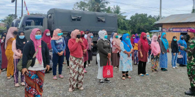 Sinergitas Yonif 8 Marinir Bersama Polres Langkat Dukung Vaksinasi Di Kab. Langkat