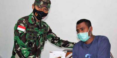 Wujud Kepedulian, Pangdam XVII/Cenderawasih Menjenguk Nakes Di RS Marthen Indey