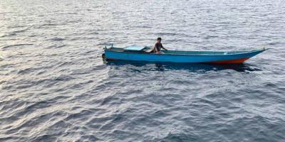 Bakamla RI Berhasil Evakuasi Longboat Rusak Mesin di Perairan Tanjung Burang