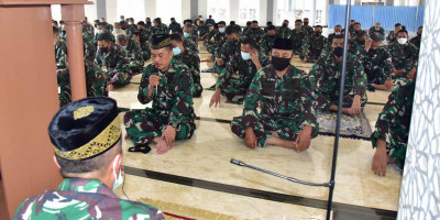 Jelang HUT TNI Ke 76 Korps Marinir Laksanakan Doa Bersama