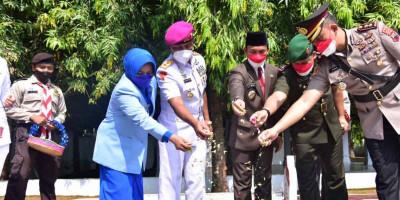 Dankormar Pimpin Ziarah Nasional Di TMP Kadilangu Batang Jawa Tengah