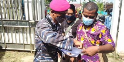 Korps Marinir Sasar Masyarakat Kabupaten Sorong Yang Belum Melaksanakan Vaksinasi
