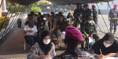 Korps Marinir TNI AL Kembali Gelar Vaksinasi di Gedung Bapra Marinir Cilandak